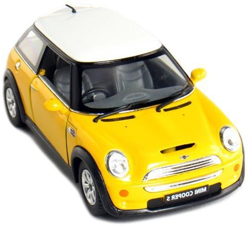 Set of Mini Cooper S 1:28 Scale by Kinsmart